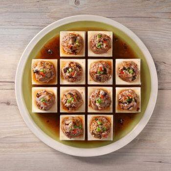 Tahu Rebus Babi Cincang dengan Kacang Hitam