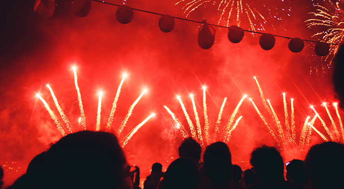 Article_CNY_Fireworks_690x380