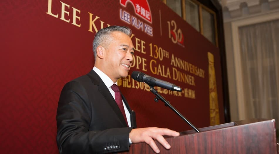 Sauce Group Chairman Mr. Charlie Lee delivers a speech at the 130th Anniversary Europe Gala Dinner