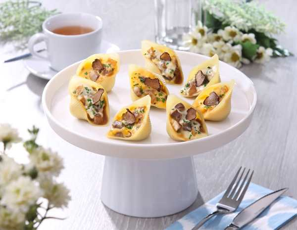 Recipe Baked Mushrooms with Black Truffle and Oyster Sauce in Shell Pasta