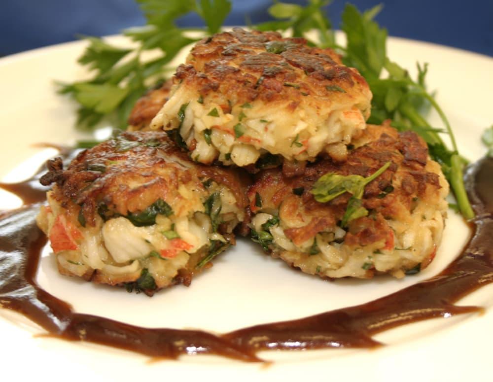 Recipe Crab Cakes with Chili Garlic Sauce