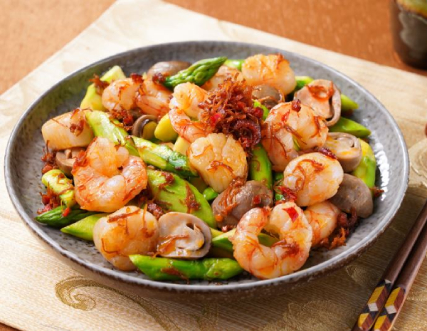 hk-recipe600sauteed-asparagus-prawn-and-scallop-with-xo-sauce