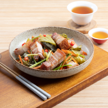 Stir Fry Roasted Pork Belly with Pickled Mustard Green