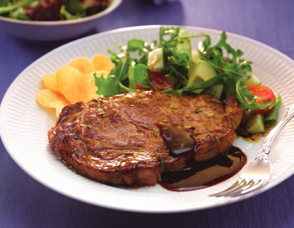 Black Pepper Steak with Spicy Salad