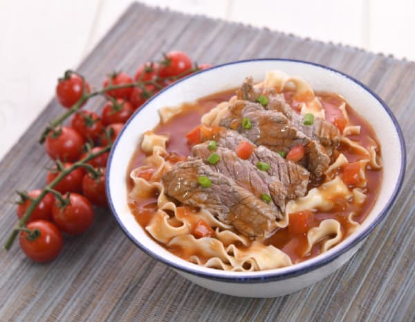 HK_recipe_600_Tomato and Beef with Knife-cut Noodles