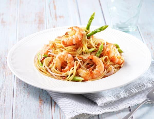 Prawnand-asparagus-pasta-in-xo-sauce