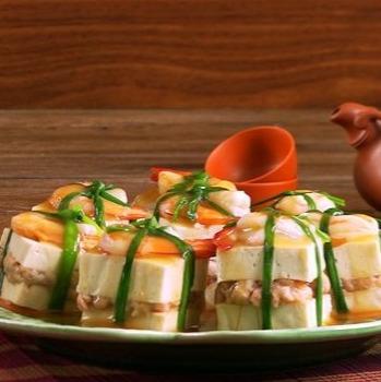 Steamed Tofu, Prawn and Minced Pork Wrap