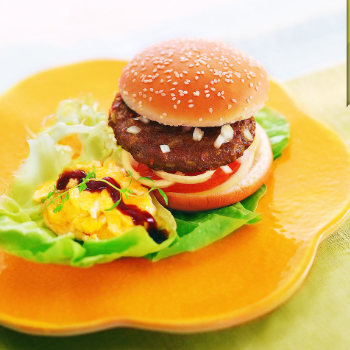 Recipe Beef Burger with Scrambled Egg S