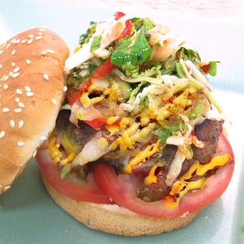 Recipe Black Pepper Burger with Sriracha Mayo and Thai Sweet Chili Slaw S