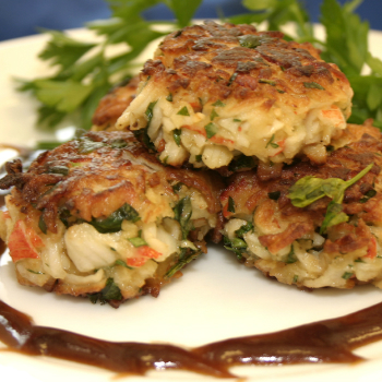 Recipe Crab Cakes with Chili Garlic Sauce