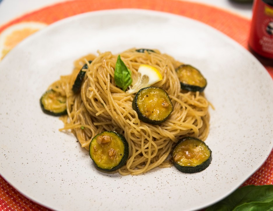 Recipe Garlic Angel Hair with Oyster Sauce and Zucchini