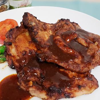 Recipe Grilled Chicken Steak and Pork Chop with Black Pepper Sauce S