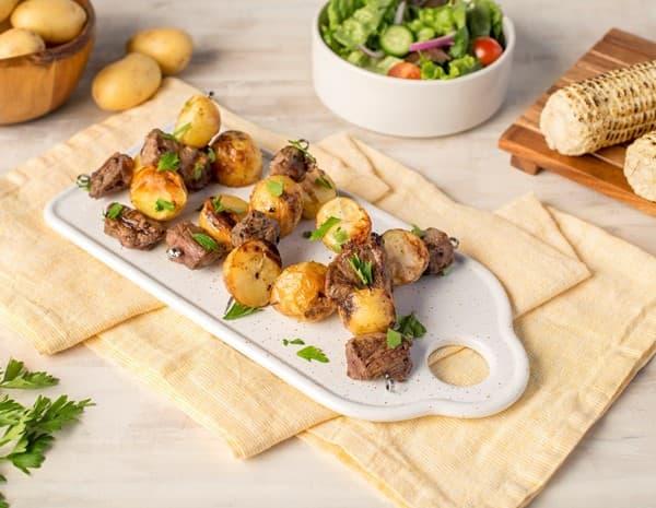 蚝油牛排和土豆烤串