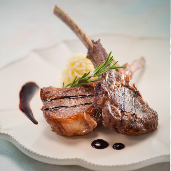 Recipe Pan-Fried Lamb Rack with Red Wine Garlic Sauce