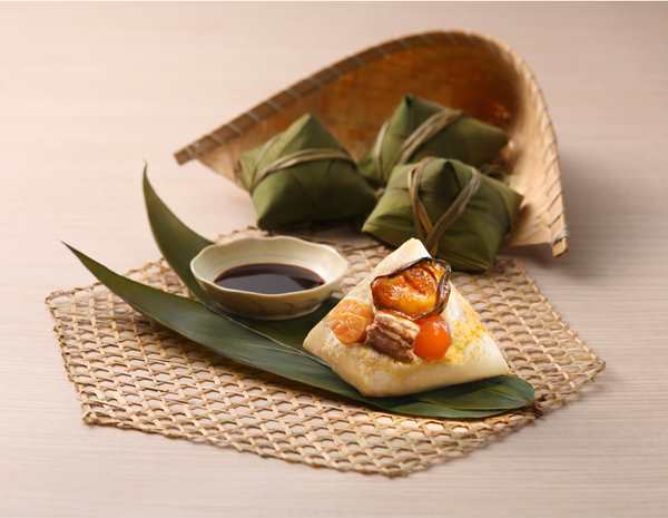 Recipe Rice Dumplings with Golden Oysters and Dried Scallops
