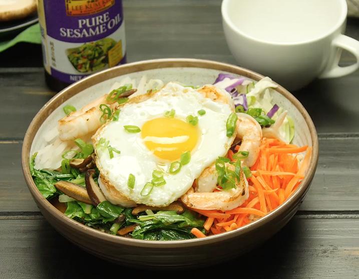 Recipe Shrimp and Egg Breakfast Grain Bowl