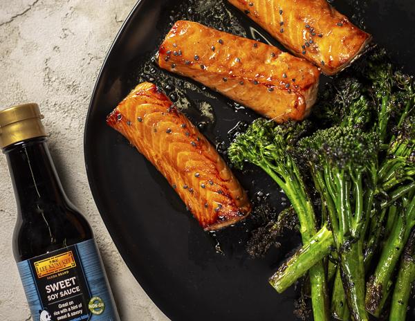Recipe Soy Glazed Salmon with Broccoli Rabe