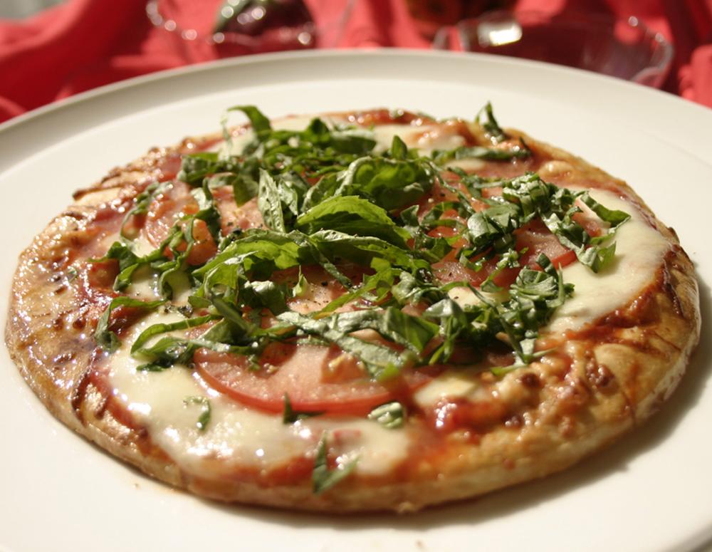 Recipe Tomato Mozzarella Pizza