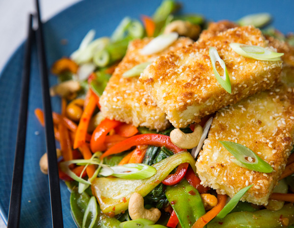 Sesame-Tofu-and-Chilli-Vegetable-Stirfry600x465