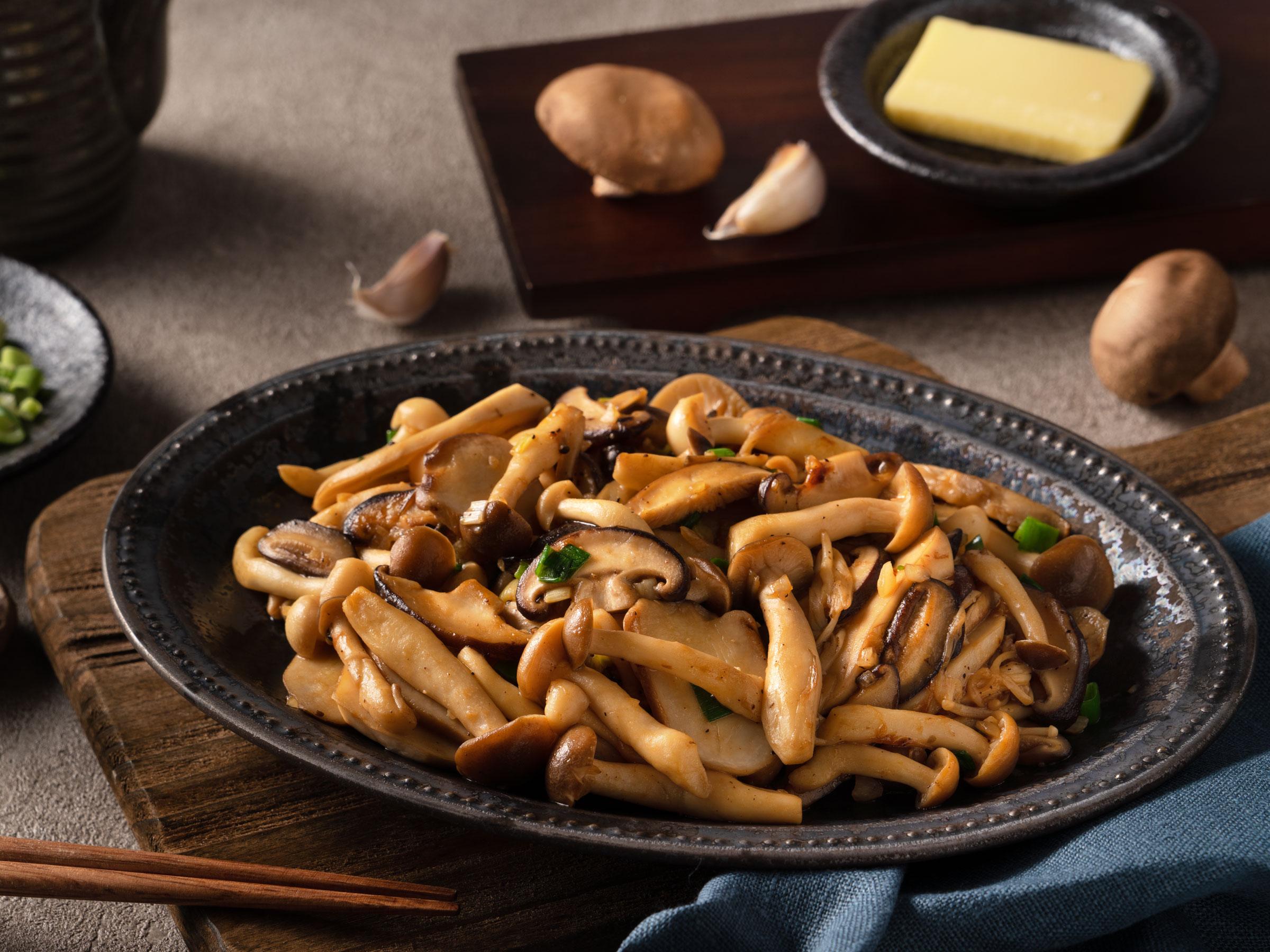 蒜香奶油炒什菇